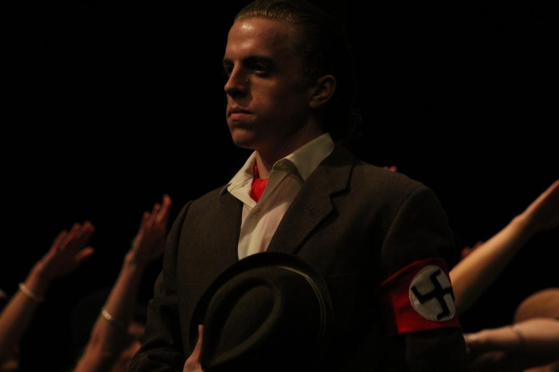 Cabaret Garret Nazi